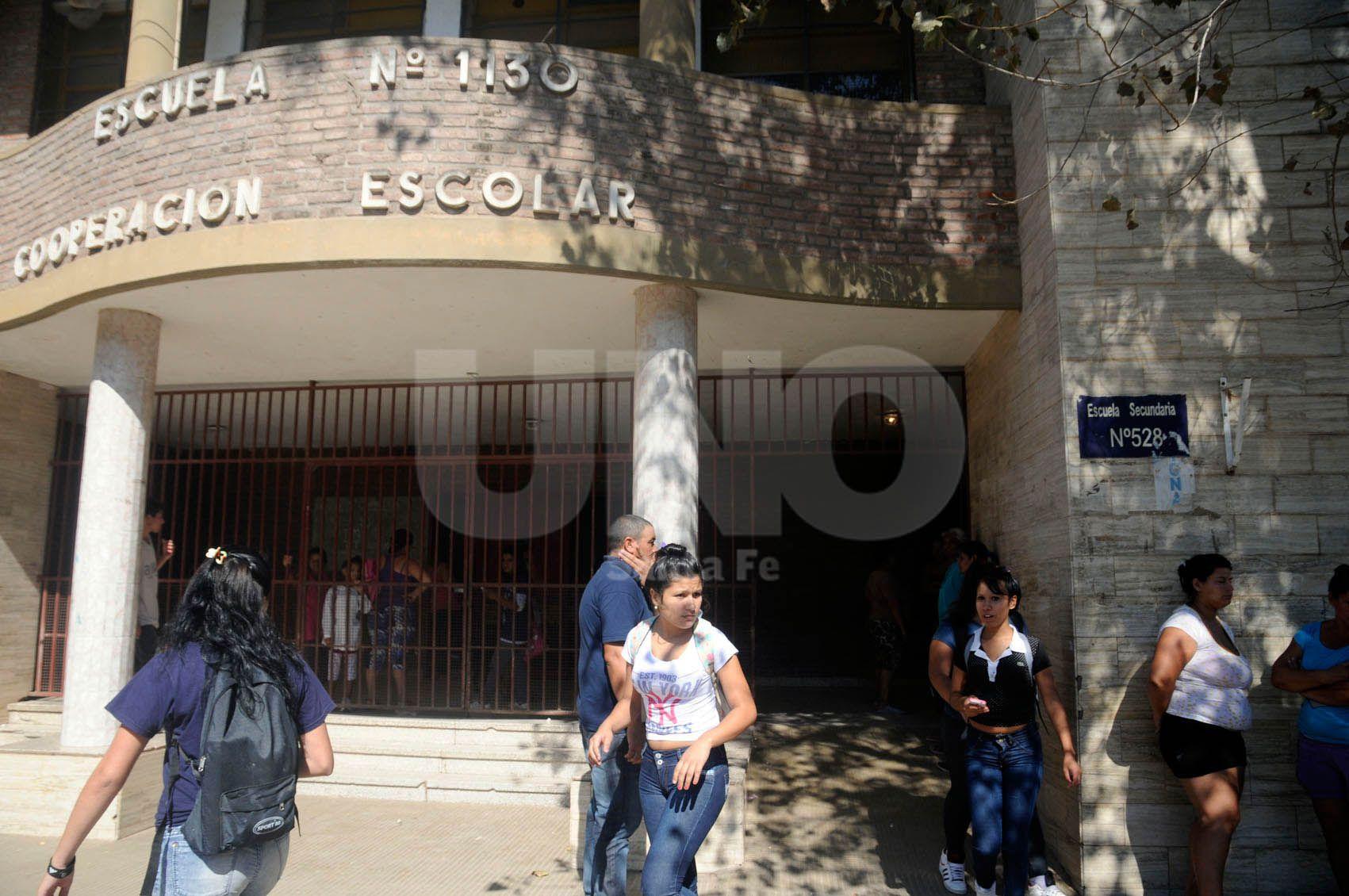 Dos escuelas piden un patrullero en la puerta para evitar tiroteos en la zona