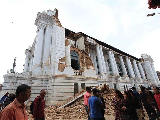 Tras el terremoto, expertos dicen que Katmandú se movió tres metros