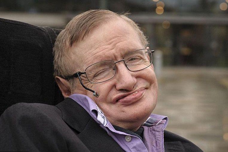 Stephen Hawking ensayó una respuesta científica para explicar la crisis en el grupo One Direction