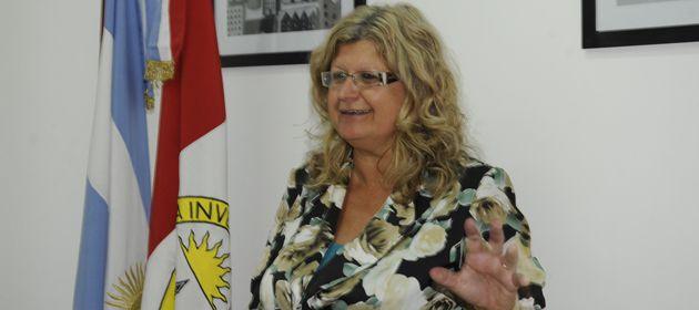 Desde su Facebook, la ministra Balagué llama a los docentes votar por Lifschitz