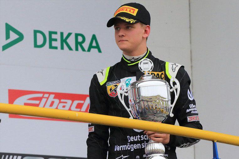 El hijo de Schumacher debutó y ganó en la Fórmula 4