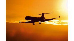 Enterate por qué viajar en avión suele provocar flatulencias