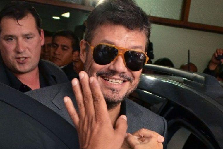 Votó acompañado por su hijo Lorenzo