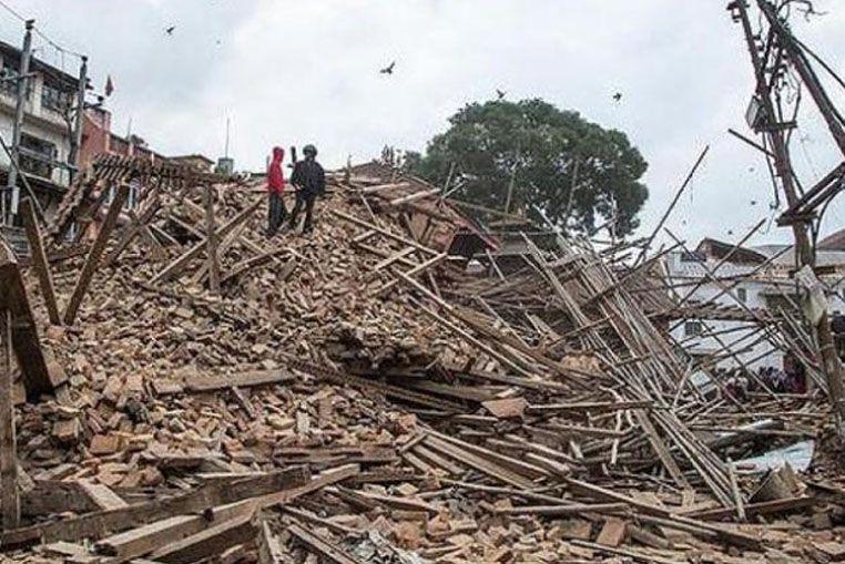 Una nueva réplica del sismo sacude Nepal y ya suman 2.200 los muertos