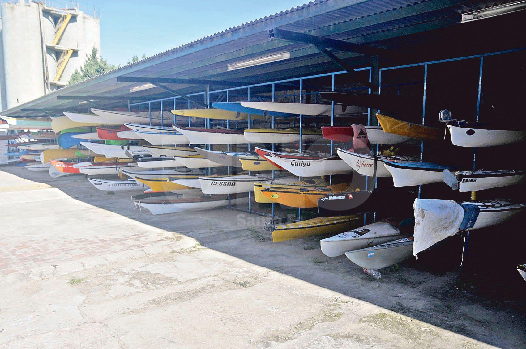 Guardería. Actualmente cuenta con espacio óptimo para el mejor cuidado de las embarcaciones.