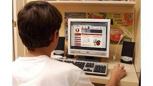 """Jorge Cella: """"Los chicos están solos en internet"""""""