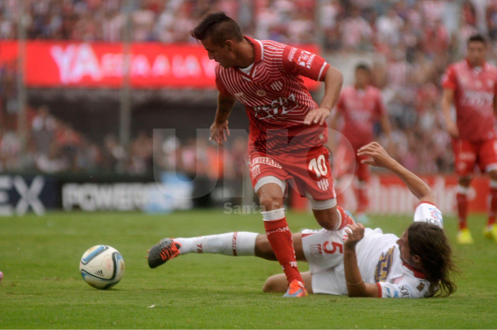 """El último partido que jugó el """"10"""" fueron 6 minutos con Vélez. / Juan M. Baialardo."""