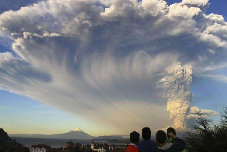 Filman un ovni durante la erupción del volcán Calbuco