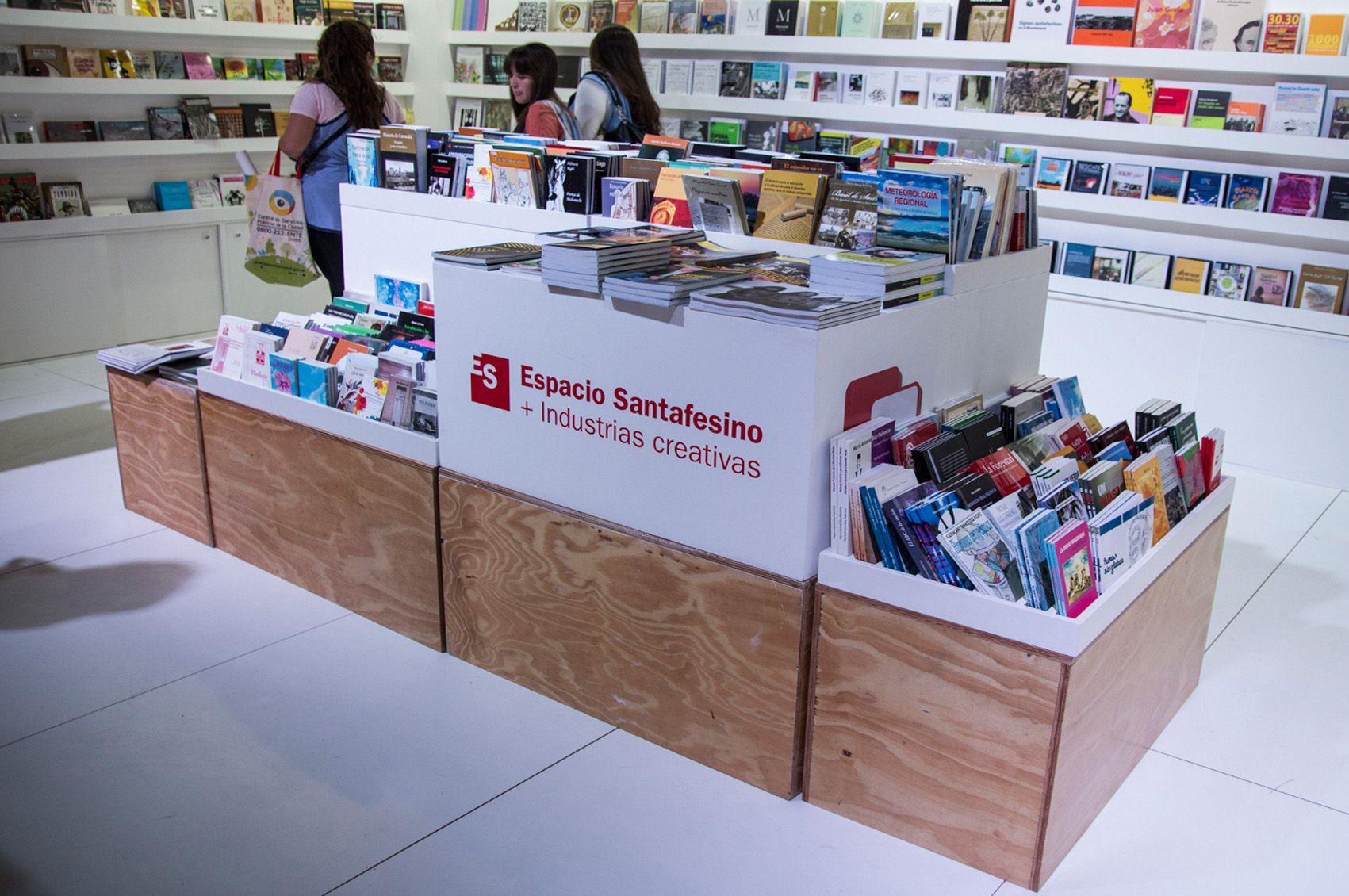 El día de Santa Fe se celebró en la Feria del Libro de Buenos Aires al inaugurarse la tradicional muestra este jueves 23./ Secretaría Comunicación Social.