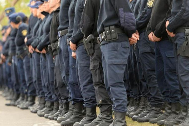 Cuatro mujeres policías suspendidas por amenazas a una compañera