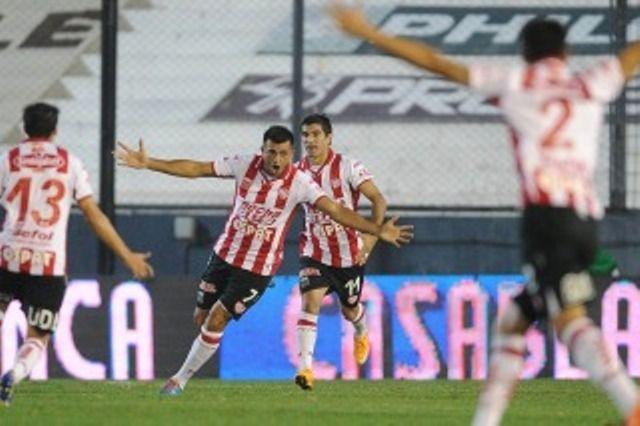 Unión volvió al triunfo con la contundencia de su goleador