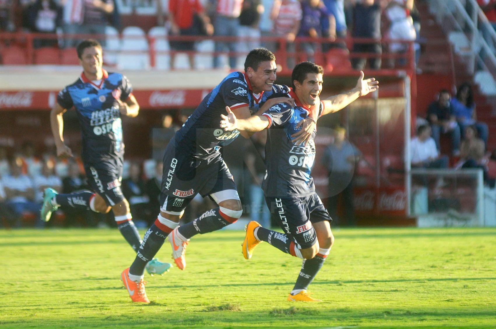 Para que Unión vuelva a ser fuerte en la mitad de la cancha será vital que Mauricio Martínez e Ignacio Malcorra recuperen el nivel de juego./ Manuel Testi.