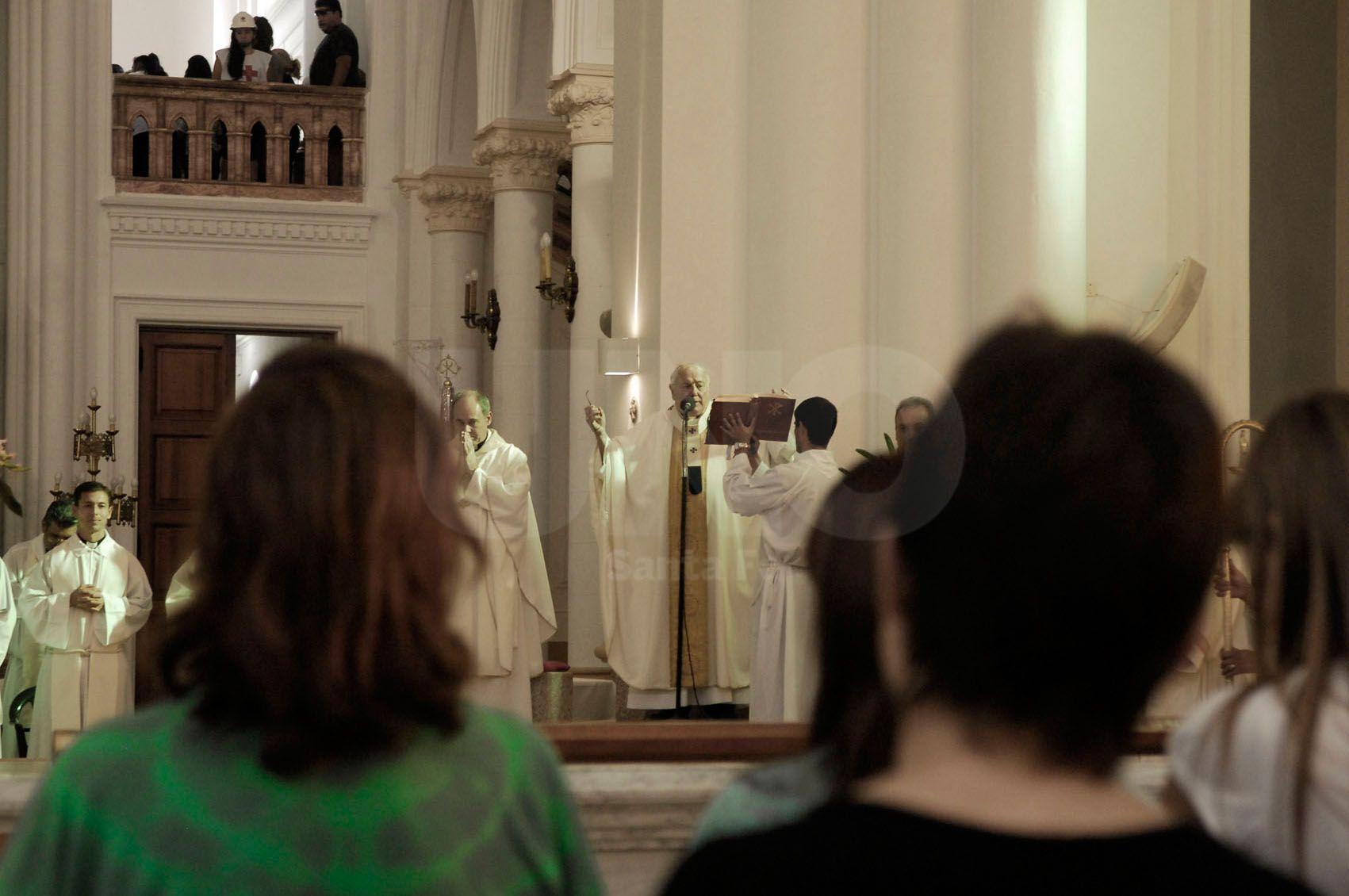 Fidelidad. Año a año miles de creyentes le demuestran su devoción y cariño a la Virgen. /Juan M. Baialardo.