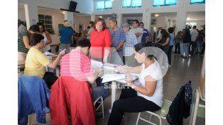 Cerraron los comicios con una participación de más del 70% de los electores en toda la provincia