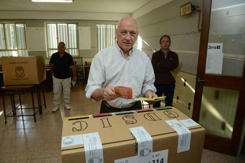 Bonfatti votó en la mesa 4214 de la Escuela San Francisco de Asís