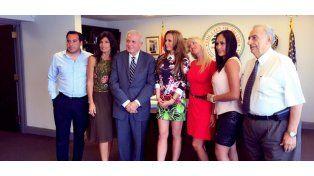 Natalia Denegri recibió la Llave de la Ciudad de Miami y Nazarena Nóbile le hizo el aguante