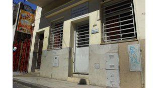 La Caja. La fachada del edificio en el que se liquidan jubilaciones y pensiones municipales.