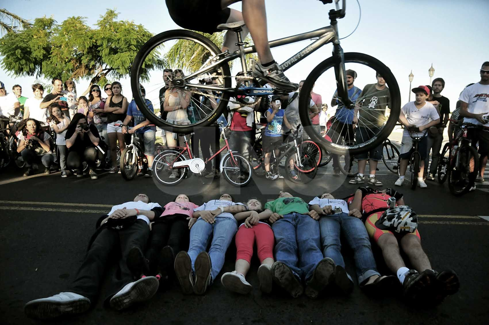 Pedaleada. Los ciclistas podrán circular por el Puente Colgante / Foto: Juan Manuel Baialardo - Uno Santa Fe
