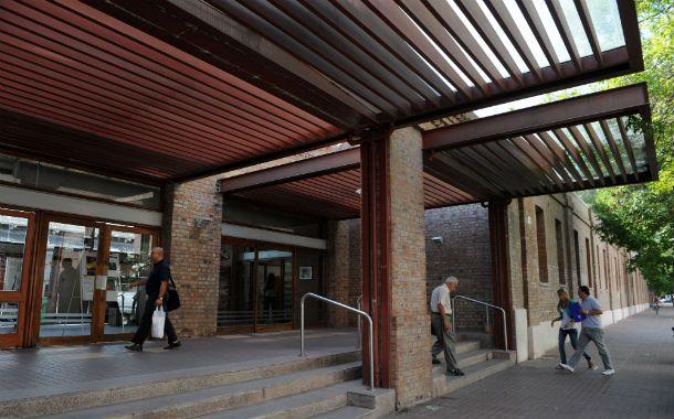 La sede del Banco Municipal se encuentra dentro del Distrito Centro Antonio Berni.