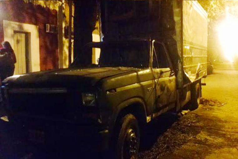 Tres nuevos vehículos fueron incendiados durante la madrugada en la ciudad