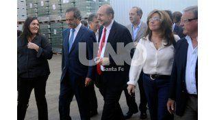 Scioli estuvo acompañado en su visita a Santa Fe por la precandidata a concejal