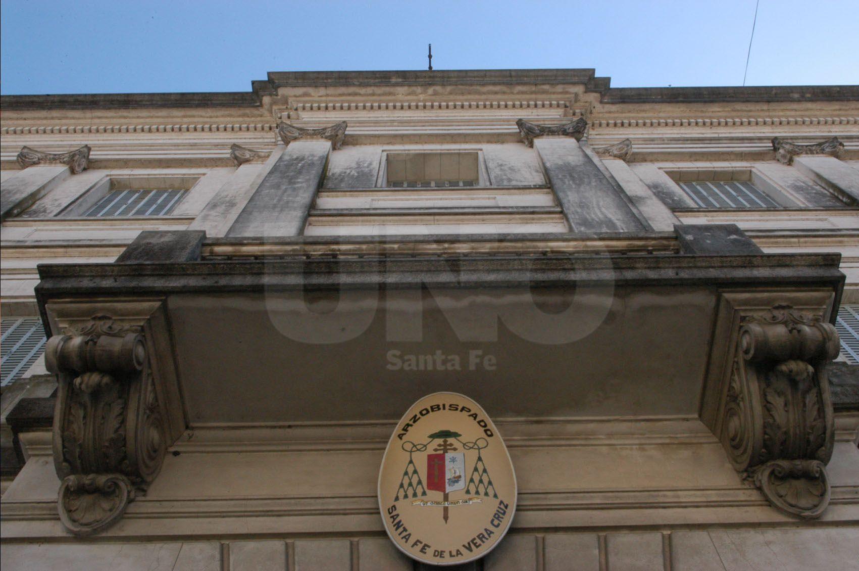 Cuestionan al Arzobispado de Santa Fe por la investigación de abuso