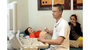 Polémica en Alemania por mujer de 65 años que quedó embarazada de cuatrillizos