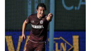 Aguirre festeja su gol