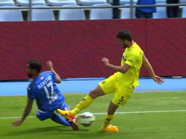 Se destrozó el tobillo: espeluznante lesión del defensor de la Selección