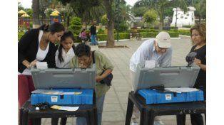 Test para el kirchnerismo: elecciones primarias en Salta con una fuerte polarización