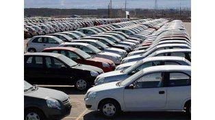 Cayó 27% la venta de autos en 2015 pero con señales de recupero