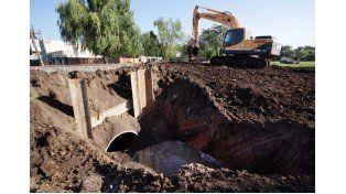 Desagües: el Municipio instala un tunnel liner en Larrea y Dorrego