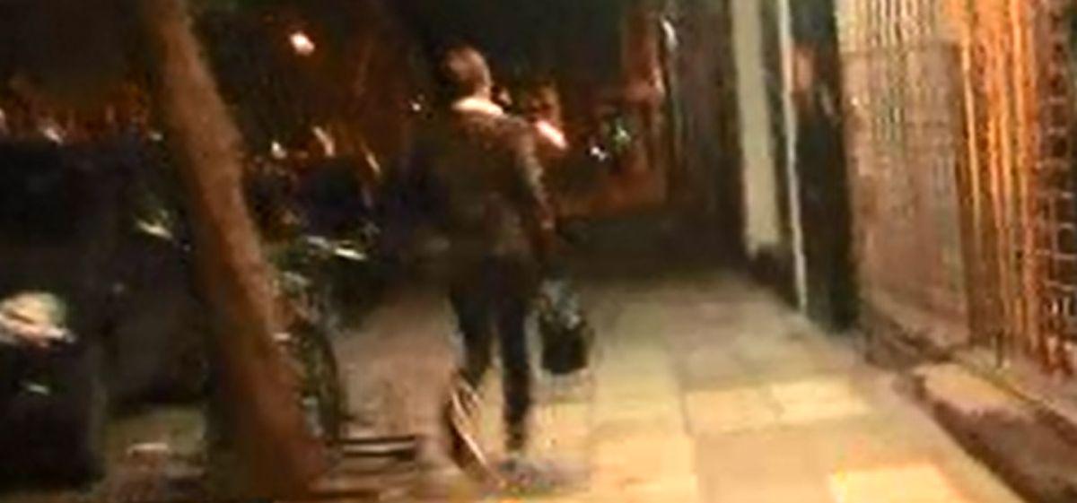 Nunca visto: el abogado de Gisela Bernal salió corriendo cuando vio a un periodista