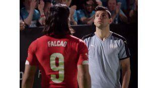 Falcao y el Kun, cara a cara en un insólito duelo