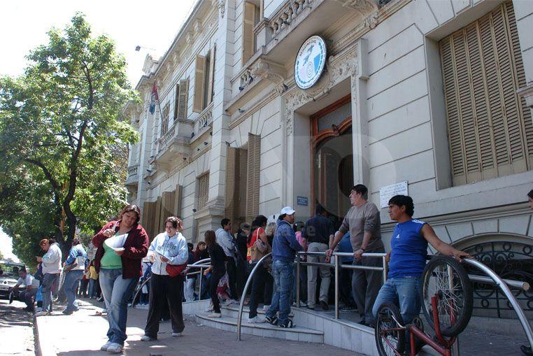 Descontarán los días de paro a trabajadores del Registro Civil