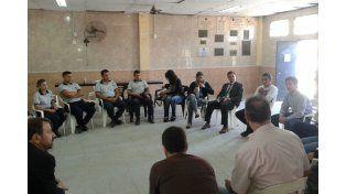 Reunión. Ayer en el distrito costero hubo un encuentro entre instituciones y funcionarios para dar más detalles.