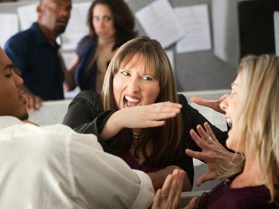 ¿Detestás a un compañero de trabajo?