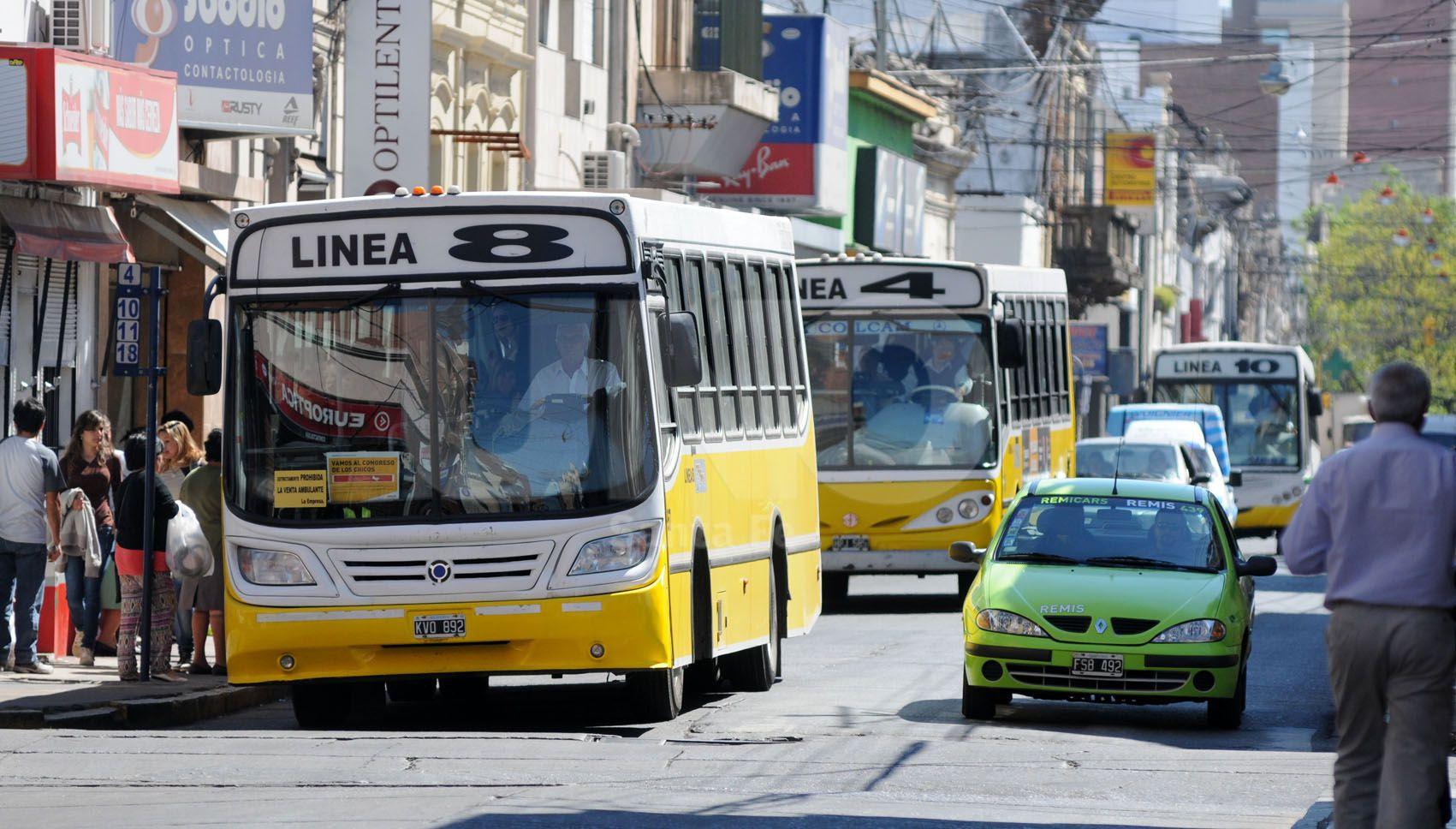 Transporte Público: desvío de colectivos en 25 de Mayo al 2800 por arreglos de ASSA