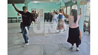 Taller de danzas folklóricas. La histórica música nacional también tiene su espacio