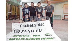 Artes marciales. La escuela de kung fu es uno de los deportes por excelencia y dicta sus clases en el salón de la asociación los martes y jueves