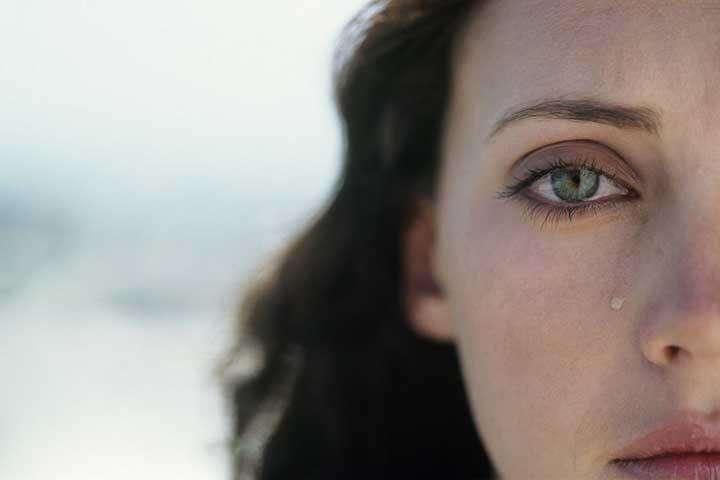 Ayuda psicológica para mujeres separadas en una aplicación móvil