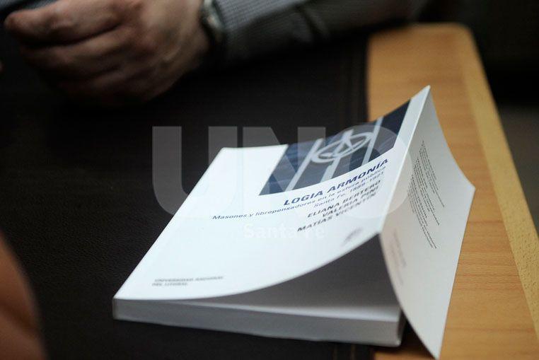 Breglia presentó el libro editado por la UNL.