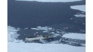 Mueren al menos 54 marineros al hundirse barco pesquero en Rusia