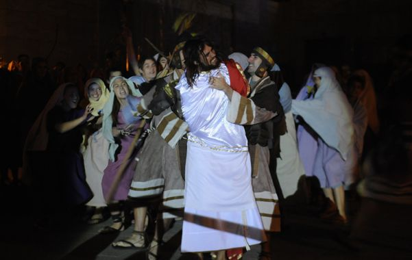 Esperan unos 300 mil fieles para el tradicional Vía Crucis del padre Ignacio