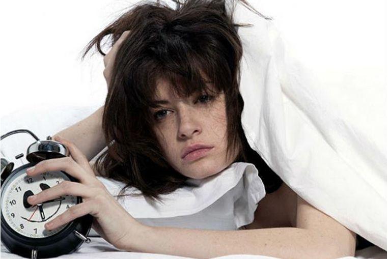 Cómo hacer para quedarte dormido en un minuto