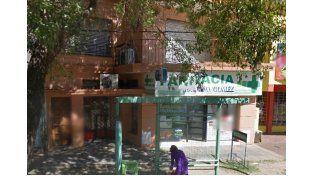 En Avenida Luján al 2400. Hace más de 40 años que Miriam está al frente de la peluquería que lleva su nombre.