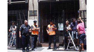La fiscalía espera un nuevo barrido electrónico para confirmar si Nisman disparó el arma