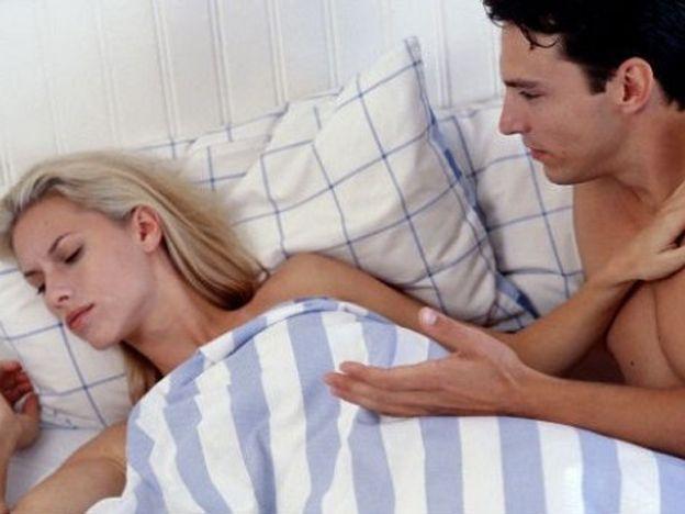 Más parejas viven bajo el mismo techo pero no tienen sexo