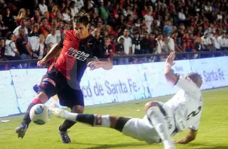 Gabriel Graciani repasó su estadía en Colón y dijo que está en Santa Fe haciendo la cuarentena pese a ser jugador de Sarmiento (J).