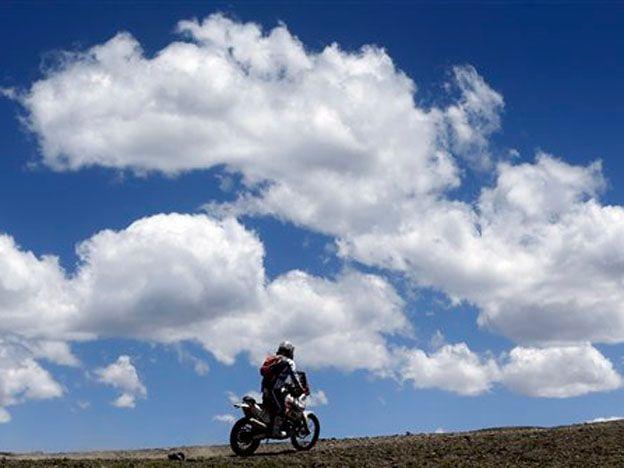 Dakar: un piloto fue asaltado en Salta